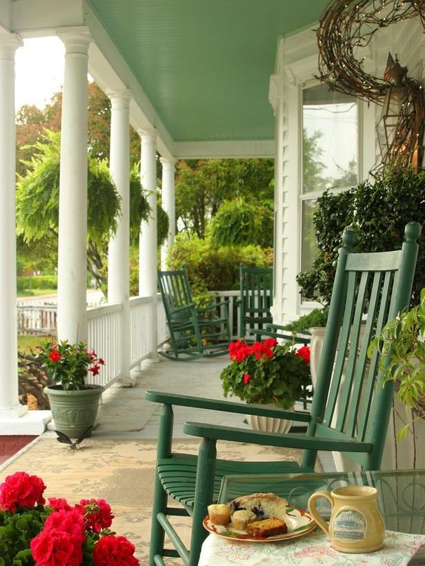 Covered front porch decorating ideas craftsman front porch...