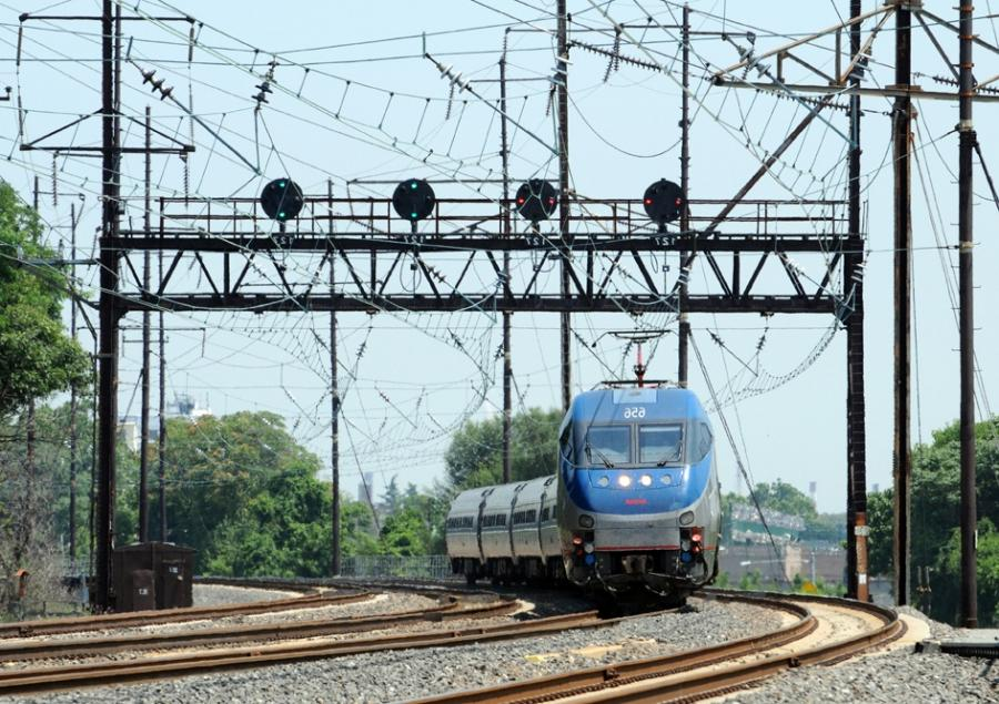 Could a private company take over Amtraku Northeast Corridor?...