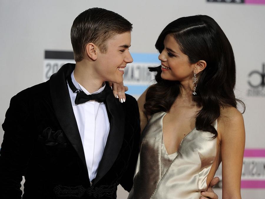 Selena gomez making out justin bieber
