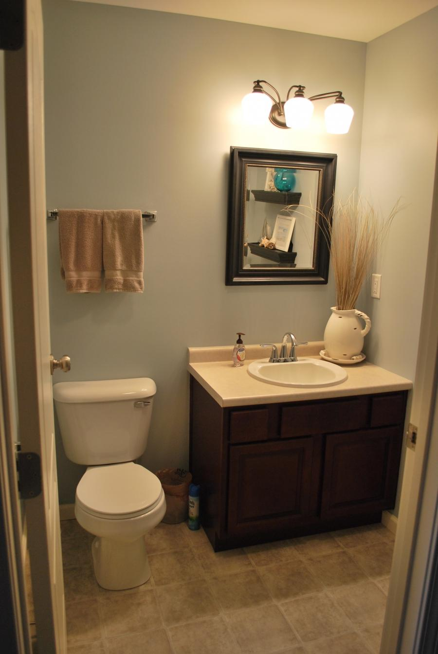 Half bathroom ideas photo gallery for Bathroom design galleries