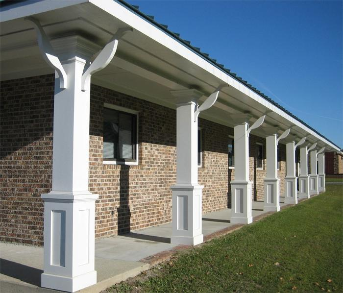 Porch with columns photos for Tapered porch columns