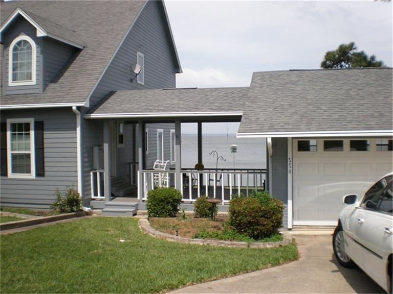 Garage to house breezeway photos for Detached garages for sale