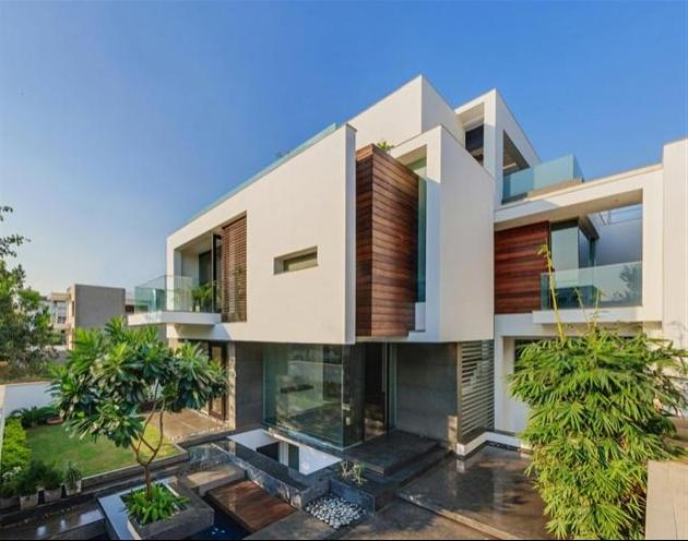 Modern Overhang Residence in New Delhi, India | HiConsumption source