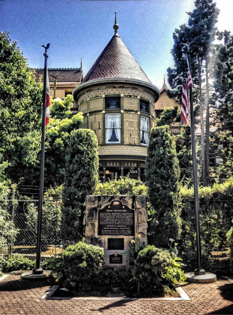 Winchester mystery house wikipedia the free encyclopedia for Encyclopedia of home designs