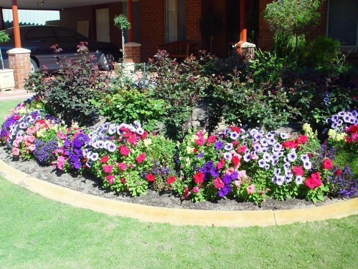 Photos annual flower gardens for Annual flower garden designs