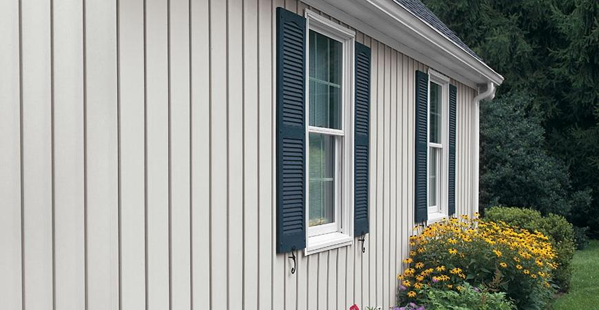 Types of vertical vinyl siding pictures to pin on for Vertical siding options