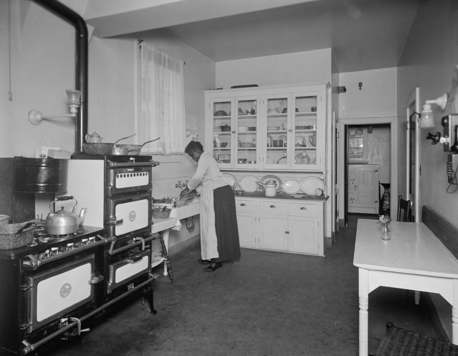 Kitchens in the 1900`s photo