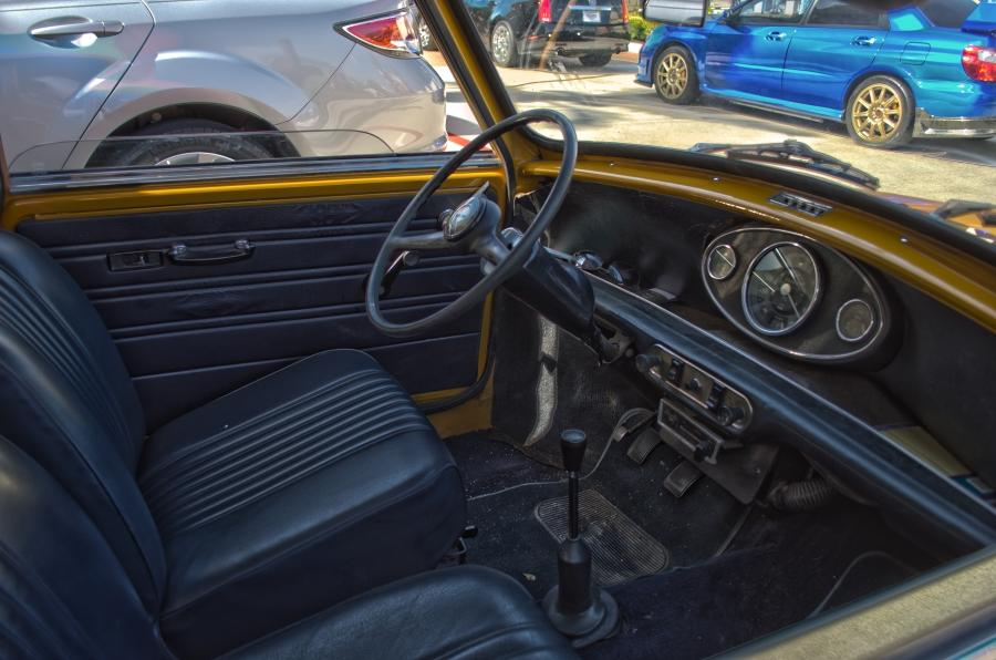 File:Mini Cooper Interior.jpg