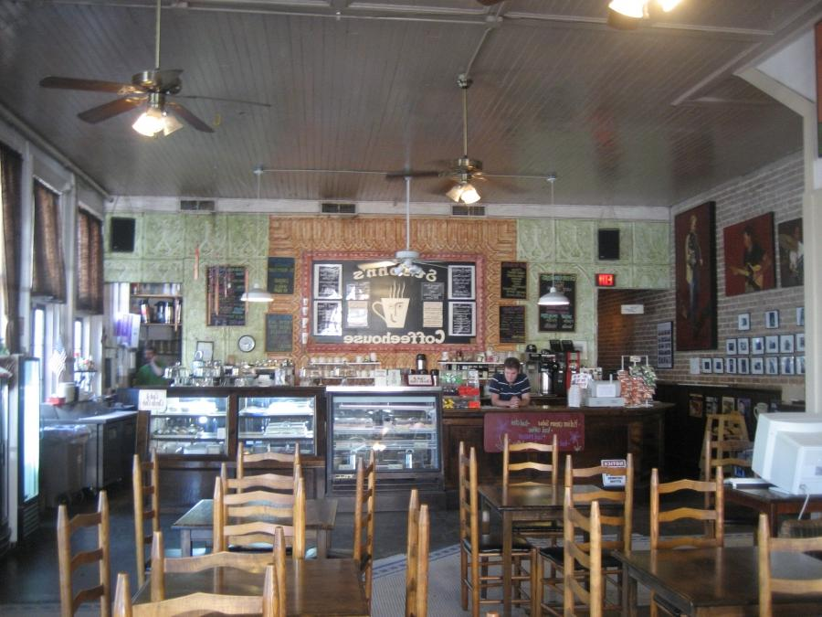 File:Covington St Johns Coffeehouse Interior.jpg