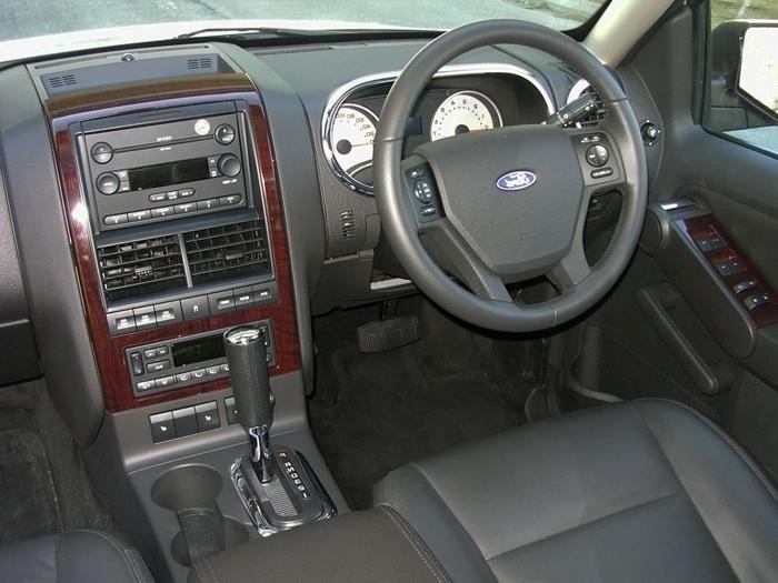 2004 ford explorer interior photos