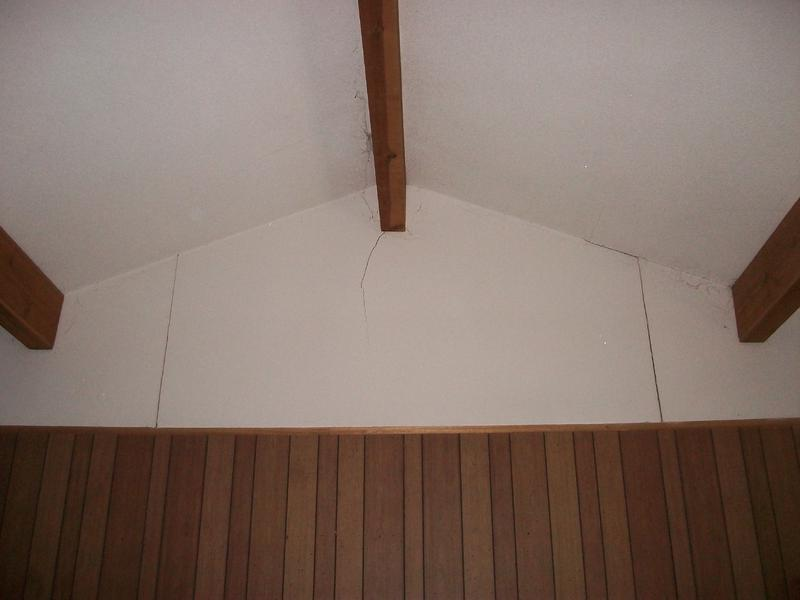 ... cathedral-ceiling-support-beams-214-greenfield-bryan-050....