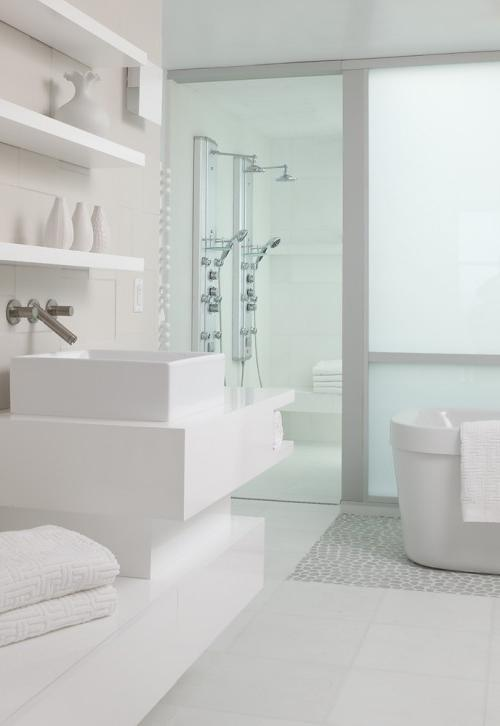 Photos of all white bathrooms for All white bathroom designs