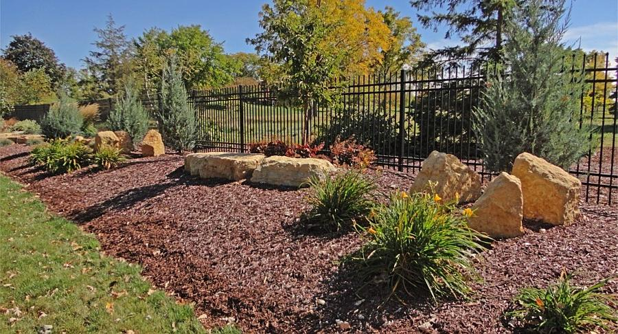 Landscaping Bushes For Wisconsin : Landscape beds plants portfolio madison wisconsin wi source