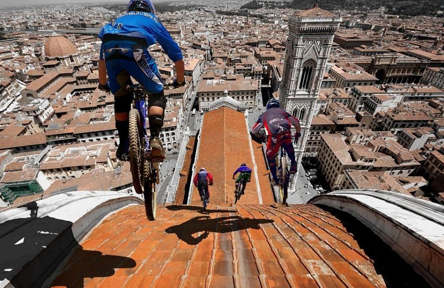 riders on the roof of florence dome