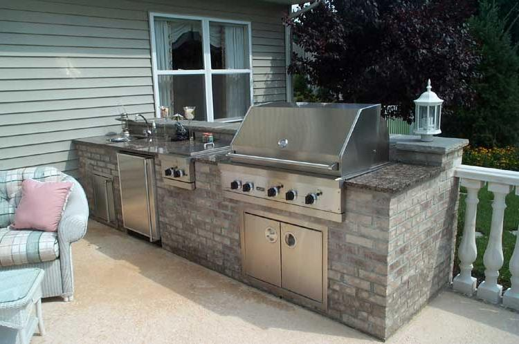 Custome Brick Outdoor Kitchen