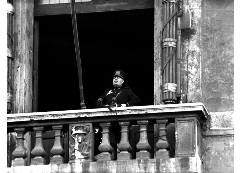 Balcony Mussolini Photo