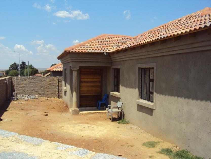 Brand new tuscan house in Protea North - Protea north