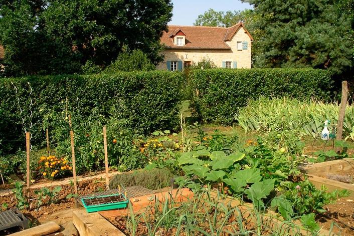 Photos of french vegetable gardens for Country vegetable garden ideas