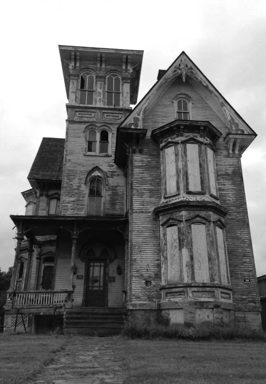 Creepy Old Houses Photos