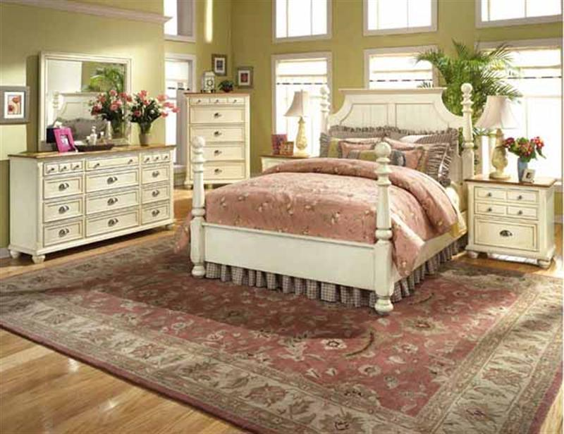 Antique Simple Interior Decorating Bedroom