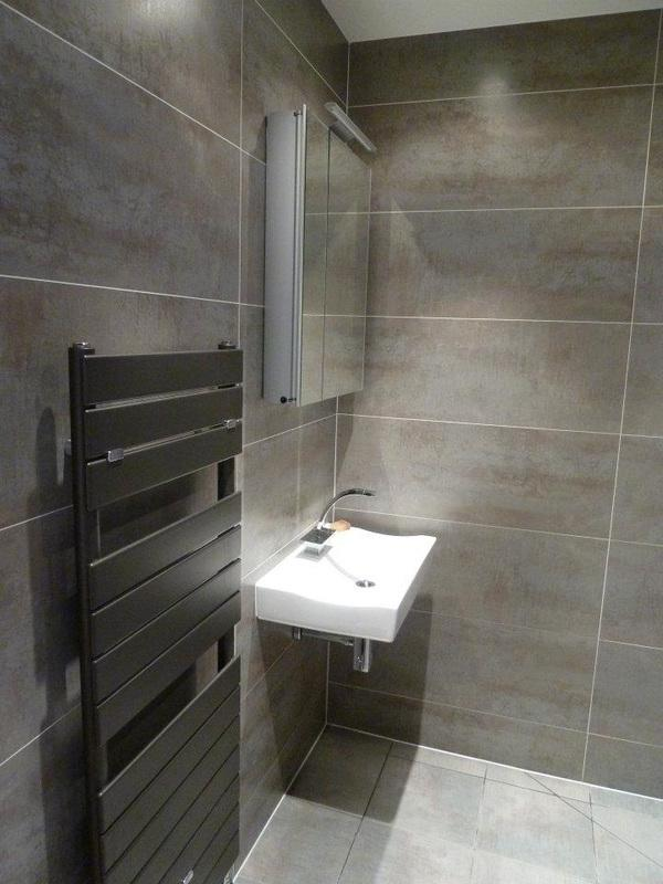 Modern Small Bathroom Design with Shower Bath Creating an Ideal...