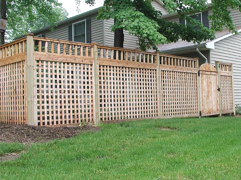 Square Lattice Fence With Spindle Topper