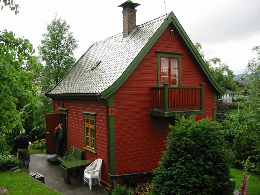 Как обновить садовый домик