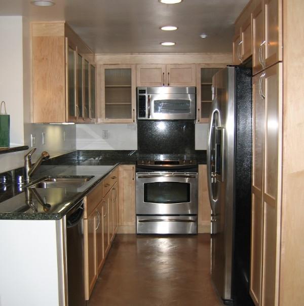 Corridor style kitchen photos - Corridor kitchen design ...