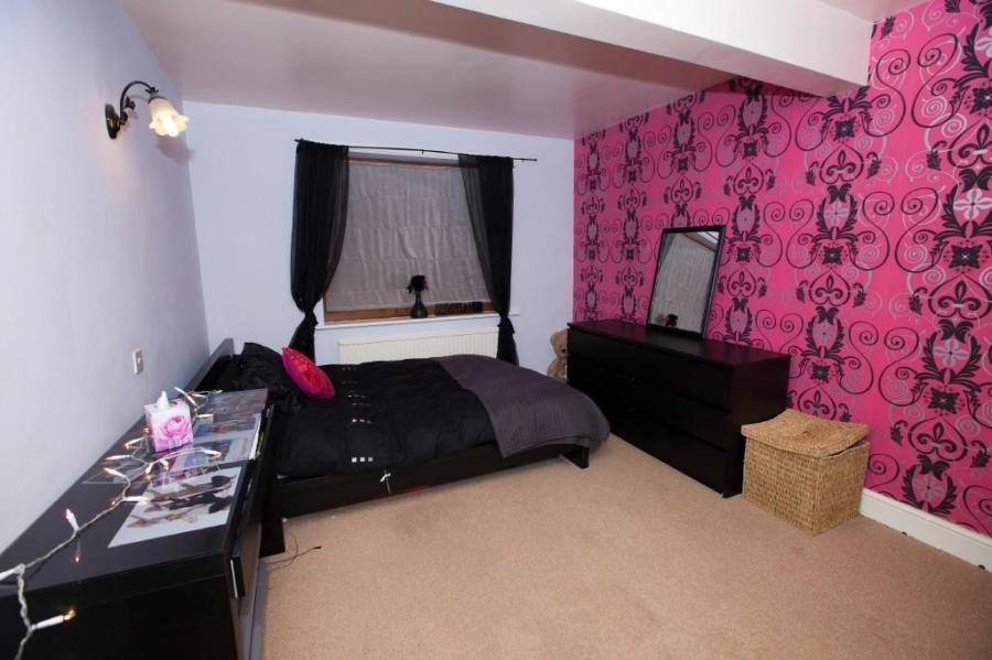 Pink Black Bedroom Photos