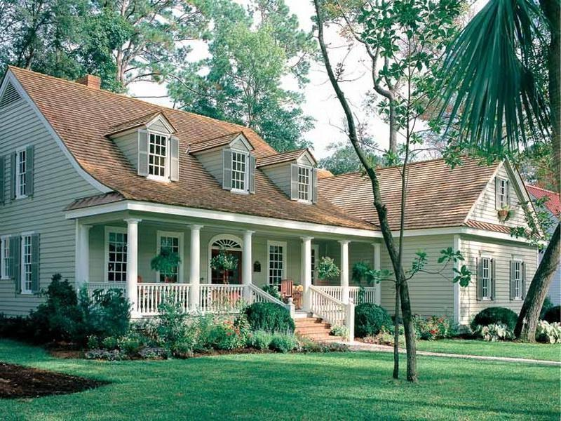 Southern traditional house plans photos for Traditional farmhouse plans