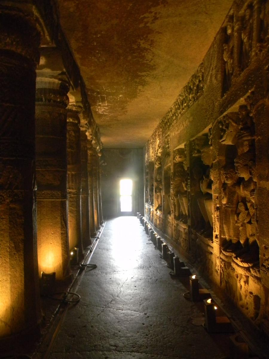 File:Corridors in one of the caves of Ajanta.JPG
