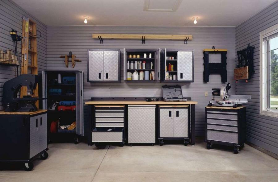 Garage interior photos for Beautiful garage interiors