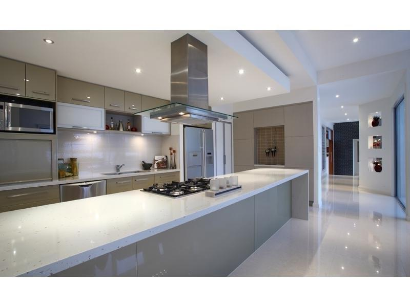 Glass in a kitchen design from an Australian home - Kitchen Photo...