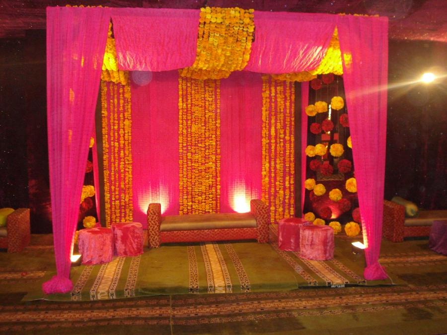 Pakistani mehndi stage decoration photos for Mehndi decoration