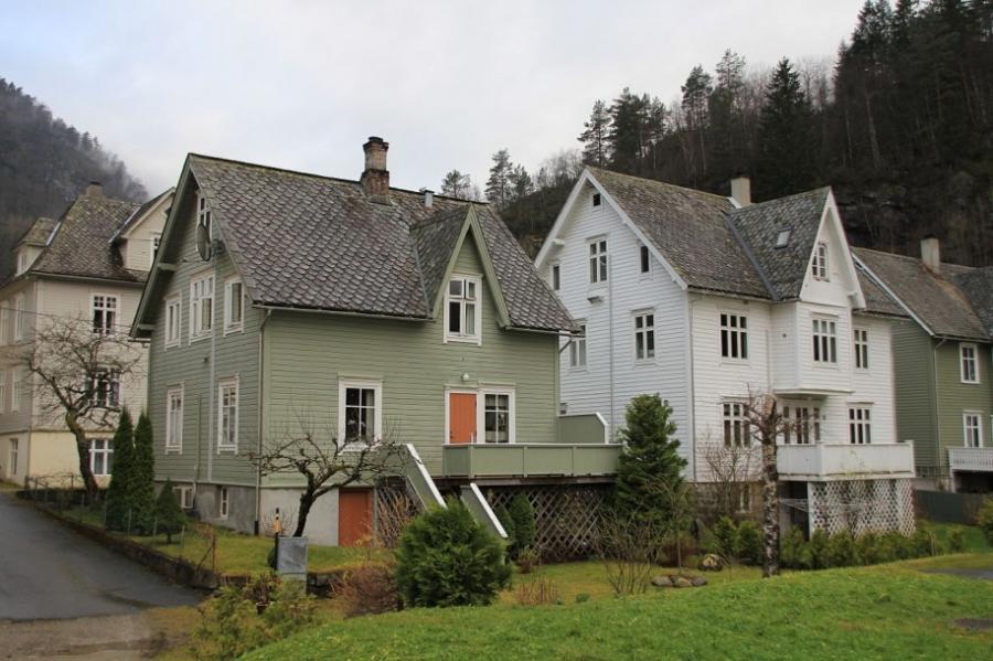 Traditional scandinavian house photos for Traditional scandinavian home design