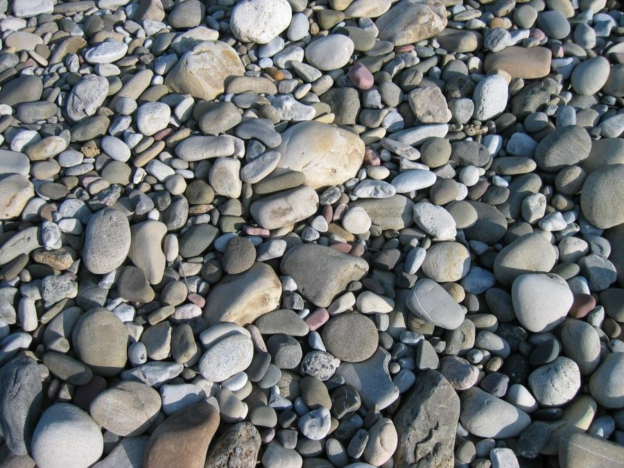 File:Riverbed Stones at Cottonwood Campgrounds near Pincher Creek...