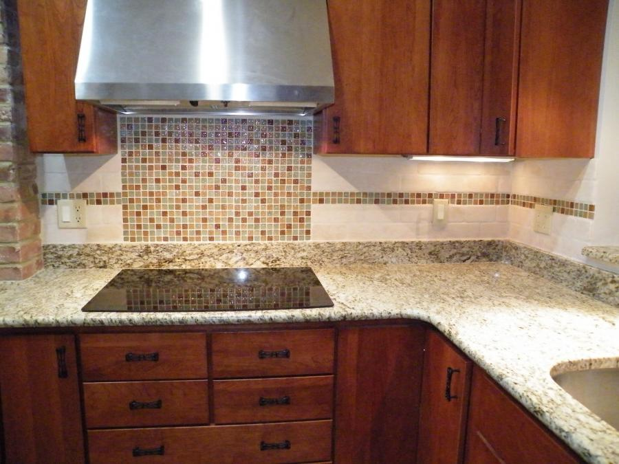 Glass Tile Backsplash Photo Gallery