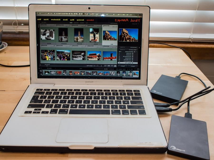 how to move lightroom photos to external hard drive