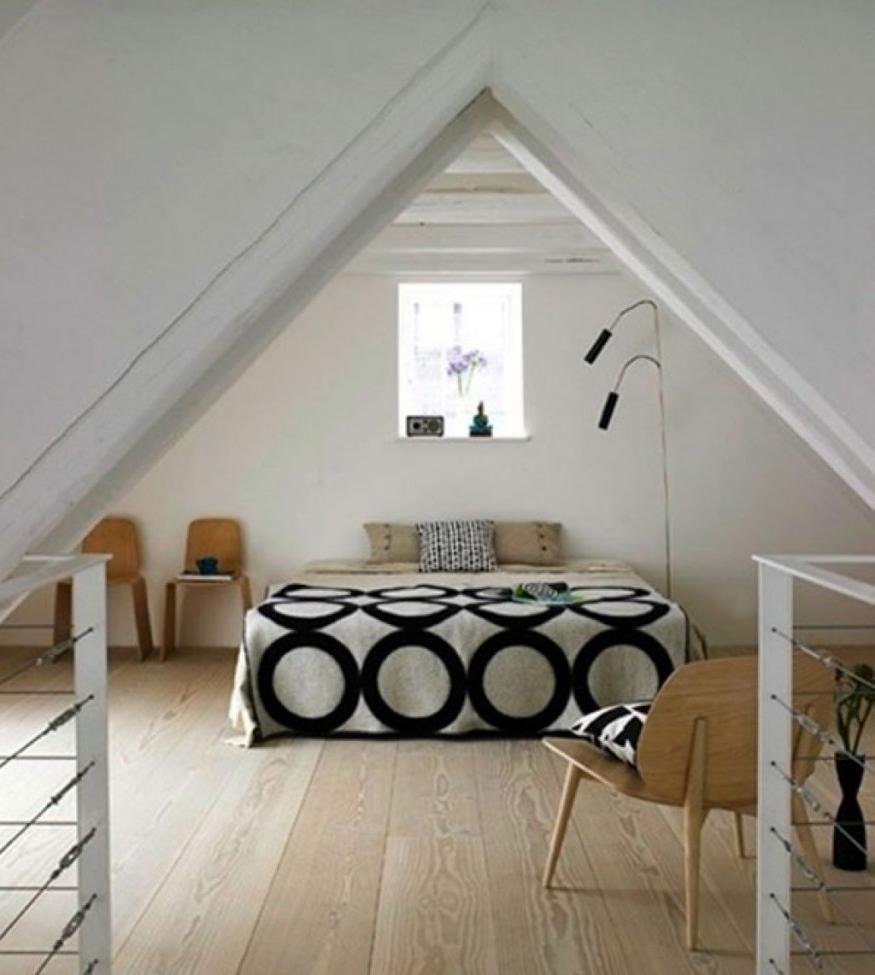 Attic window bedroom photos for Simple attic design
