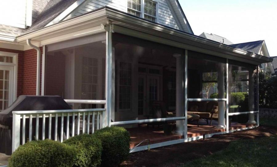 Southern screened porch photos for Motorized retractable screens for porches