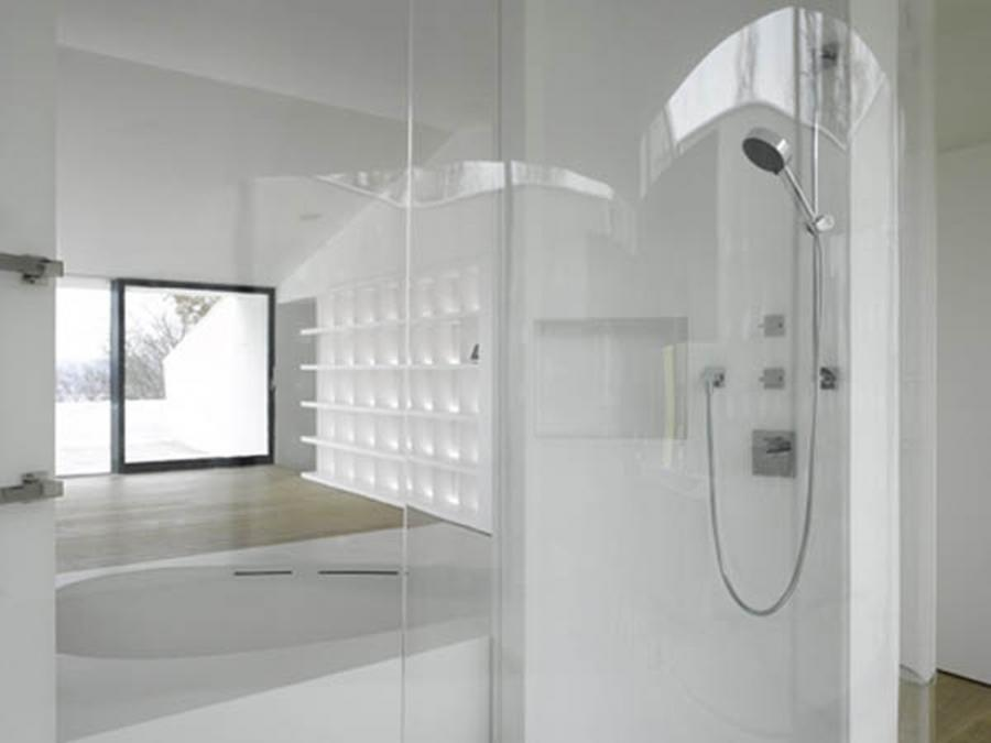 Fantastic White Bathroom Urban Home Layouts