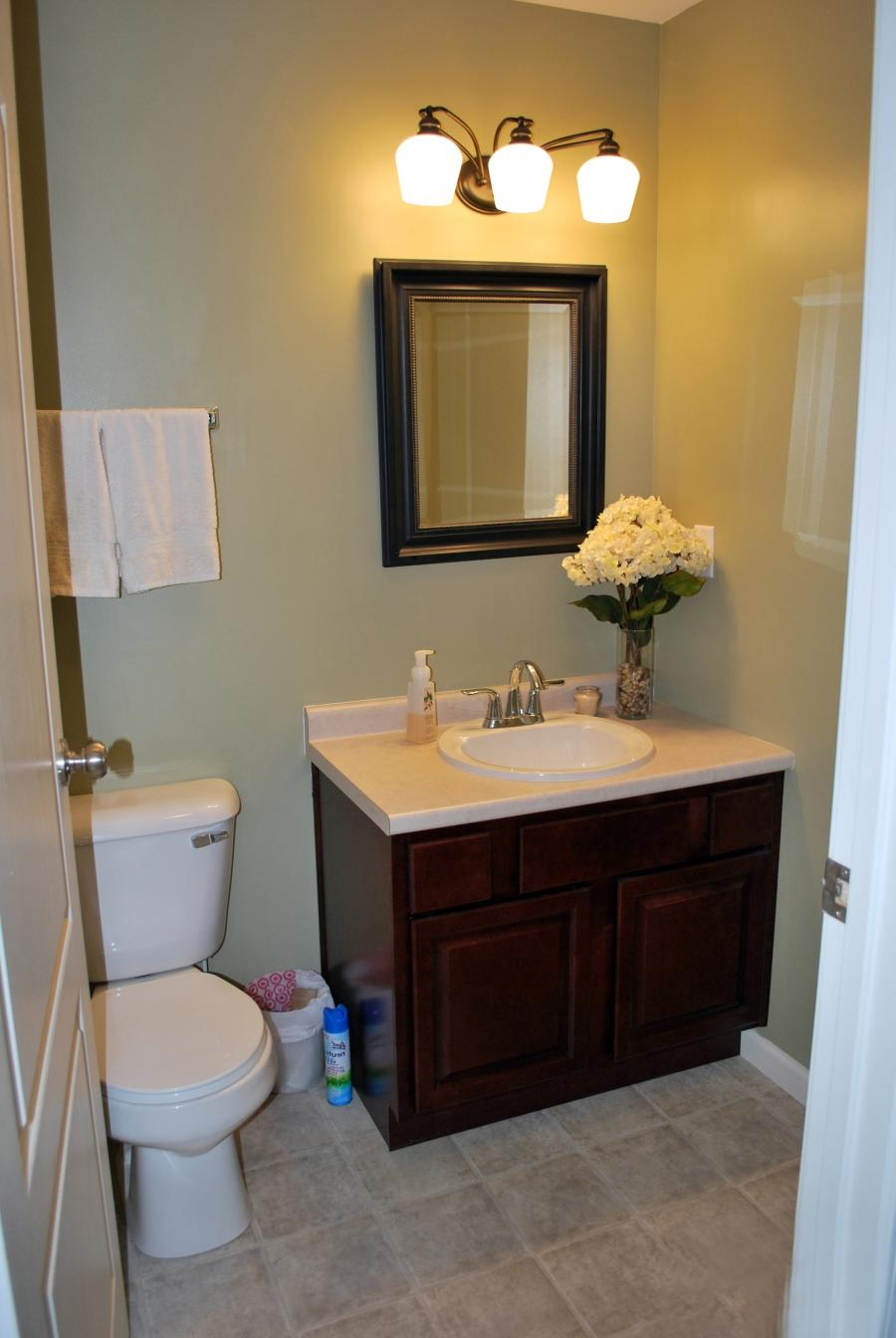 Half bathroom ideas photo gallery for Half bathroom designs for small spaces