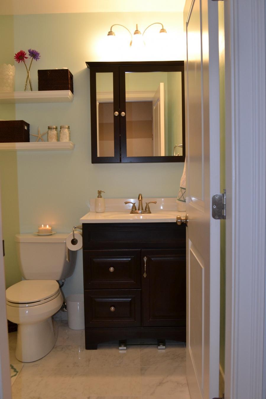 Half bathroom decorating ideas photos - How to decorate a half bath ...