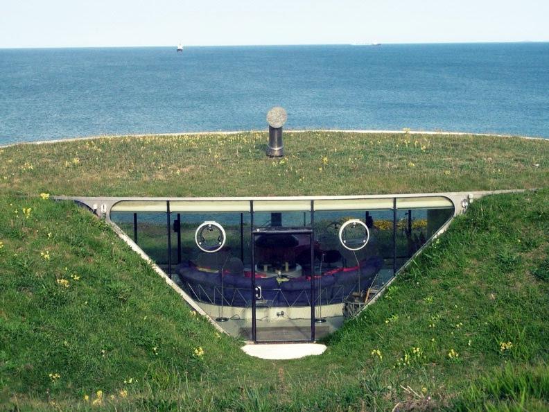 Photo underground houses usa for Malator underground eco house