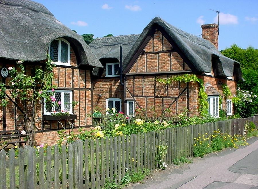 Vernacular thatched cottages (built in 1812u20131816) in Woburn...