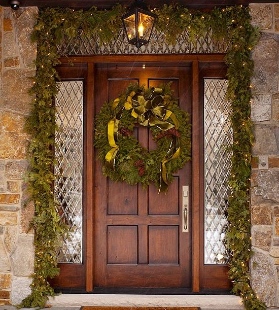 25 Awesome Luxurious House Door Design Ideas To Try: Christmas Door Decorating Ideas Photos