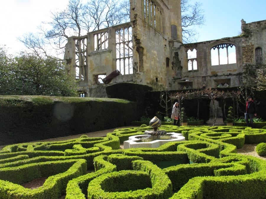 In an few english country gardens scatterbrook source