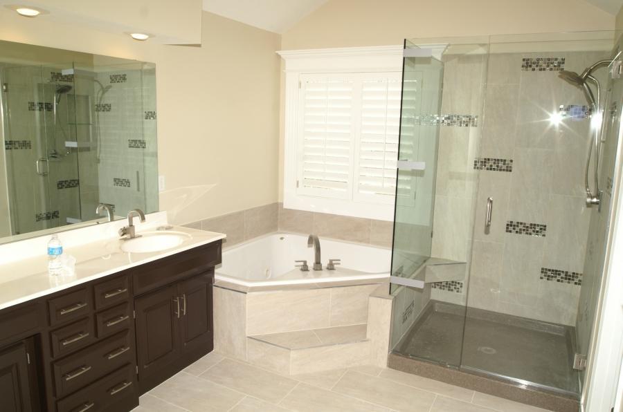 Remodel bathrooms photos for 10x10 bathroom designs