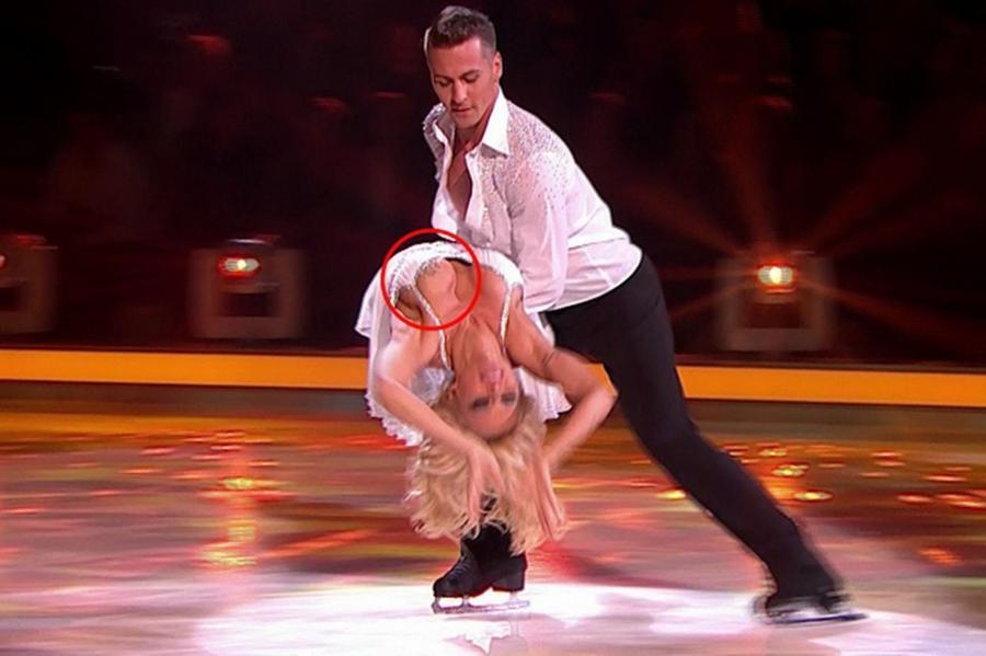 Pamela Anderson suffers a wardrobe malfunction on Dancing on Ice ...