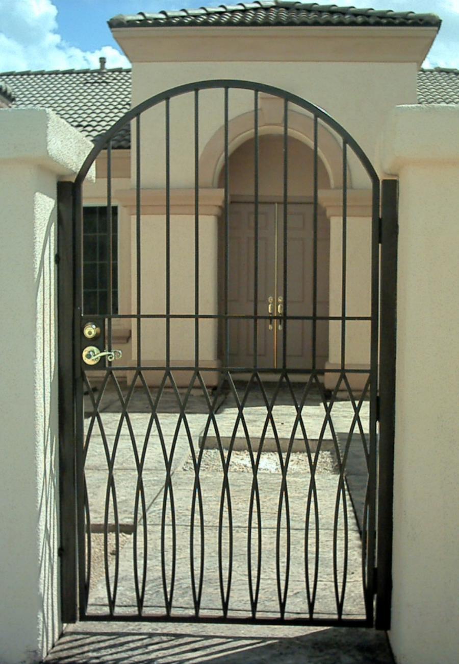 Gate Iron Photo